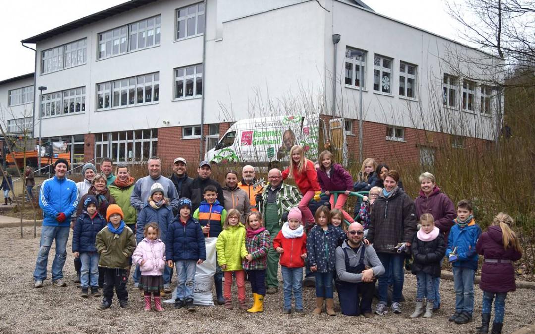 Lohmar fegt los – Frühjahrsputz auf dem Schulgelände der Waldschule